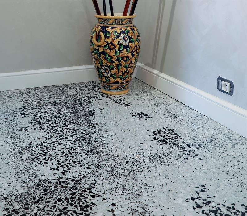 striature monocromatiche pavimento-veneziana
