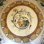Rosone in mosaico di marmo